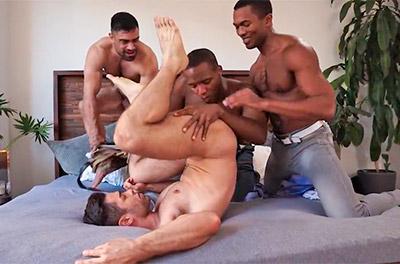 Festinha gay com casal amigo