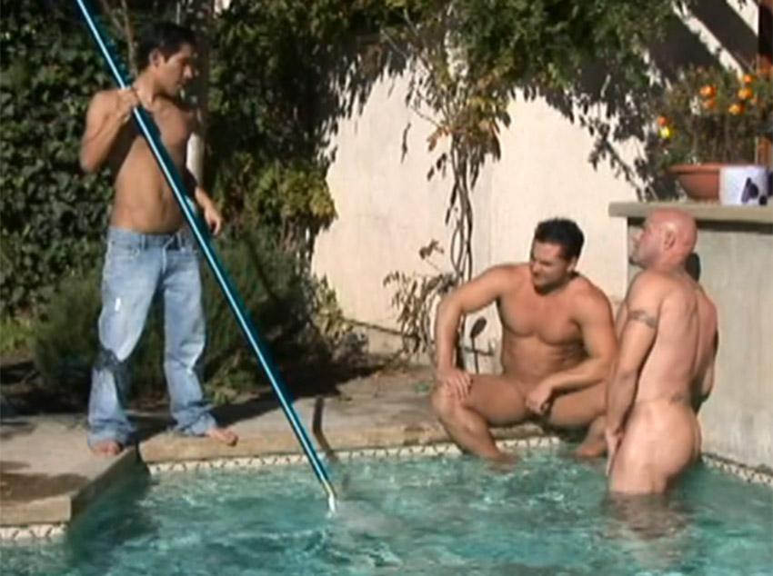 Malhados socando a vara no piscineiro