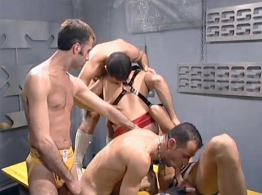 Sexo grupal com roludos