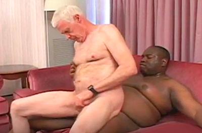 """Vovô foi comido pelo """"Black Bubba"""""""