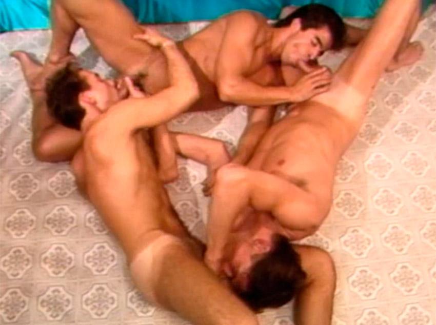 Orgia a três