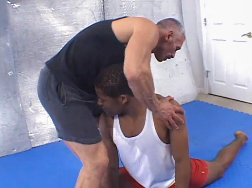 Tirando uma casquinha do treinador