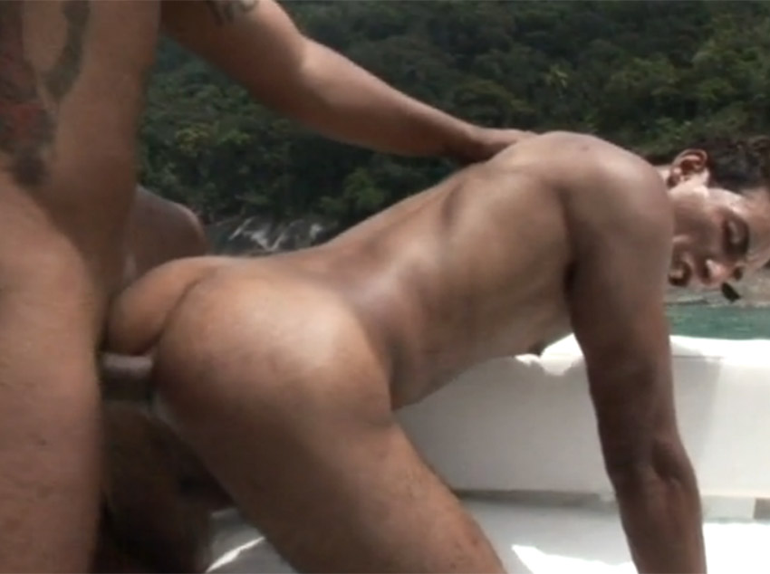 Sexo forte na lancha